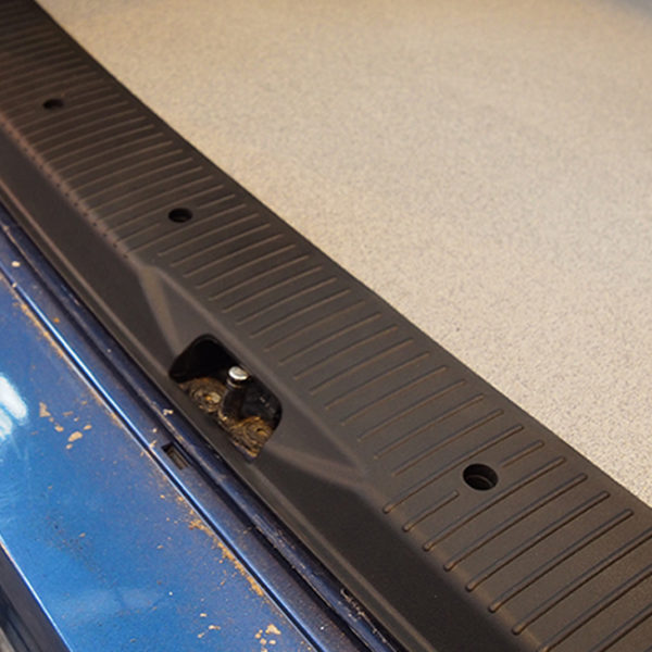 Threshold Protector & Side Step For VW T5, T5.1 & T6 TAILGATE Including screws & screw caps-20688